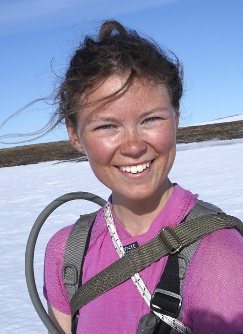 Thea Marstrander: I vår gikk hun Norge på lang på ski. Nå er hun utvekslingsstudent i Spania, der hun studerer tekniske fag, og lærer seg å surfe.