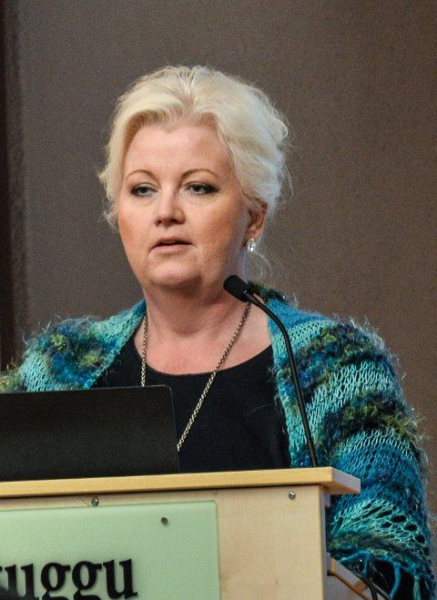 VANSKELIG: Vi kommer til å drive Røros skole ulovlig hvis det ikke kommer opp noen gode løsninger, sier Marit Trollerud. (Foto: Guril Bergersen)