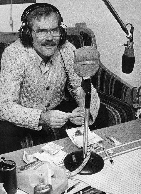 Ivar Garberg var en kjent stemme i  Radio Bergen i en årrekke, her fra en sending midt på 1980-tallet.