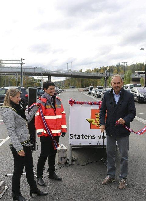 KLIPP:: Lene Conradi, Marit Ulveseth og Gunnar Melgaard. Foto: Elin Lied/ Statens vegvesen