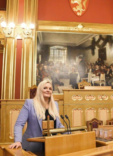 : Åslaug Sem-Jacobsen på Stortinget (Foto: Beate Evensen)