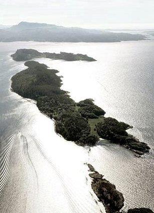 Langøya: Eiendommen som er til salgs er på denne delen av øya.