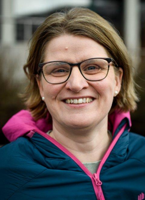 REISETID: Marianne Dobak Kvensjø (H) sier ingen i Narvik lenger reagerer på en reisetid på 50 minutter for å komme seg til flyplassen.