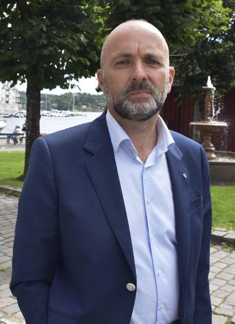 Reelt: Tvedestrands rådmann Jarle Bjørn Hanken sier han ikke har noen grunn til å tro at det er noe feil med listene som viser at det har vært en doblingen i antall personer med utviklingshemming i Tvedestrand.