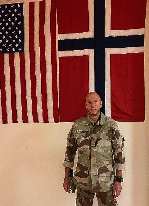 I KRIGSHERJEDE AFGHANISTAN: Odd Arne Ødegård fra Røros har permisjon fra sjukehuset hjemme på Røros og har en ganske annerledes hverdag i arbeidet ved feltsjukehuset i Kabul.