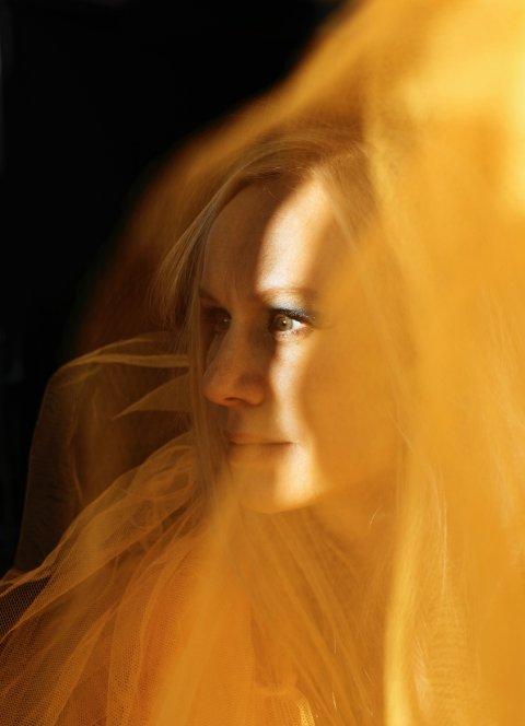 Til Brandbu: Susanna Wallumrød.