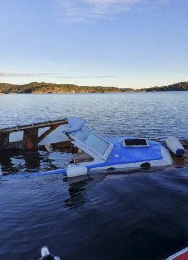 Motoren var fjernet i båtvraket som tidligere i dag holdt på å synke.