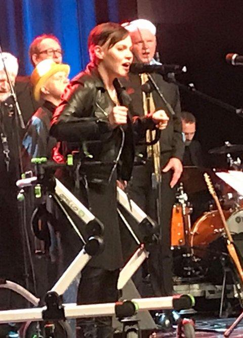 Stine Therese Myhrvold i aksjon på Gjøvik kino og scene tidligere i år i forbindelse med 25-års markeringen til Korpus.