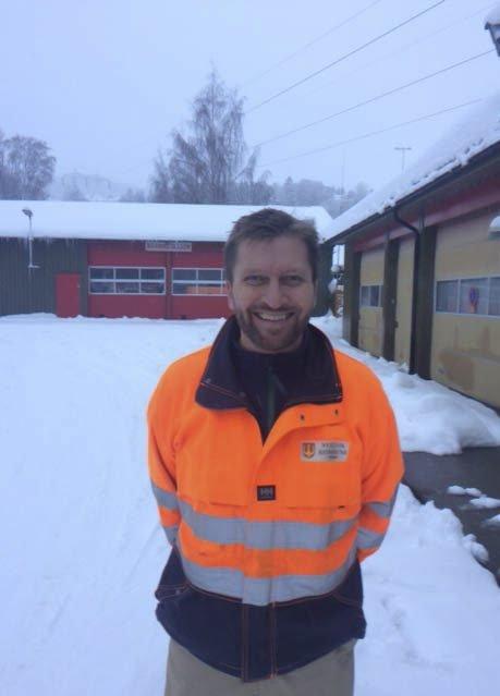 FORNØYD: Ivar Pettersen, avdelingsleder for teknisk drift i kommunen, er fornøyd med jobben brøytemannskapene har gjort etter det kraftige snøfallet.