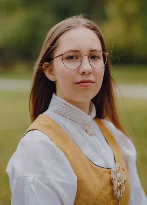 SKUFFET: Anine Hermo (16) er skuffet over hvordan Vestby kommune har håndtert prosessen med å velge ut ungdom som får tilbud om sommerjobb i regi av kommunen.