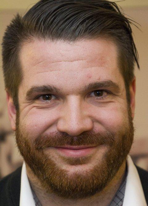 FORNØYD: Flakstadordfører Hans Fredrik Sørdal er fornøyd med at det blir foreslått å bruke 750 millioner kroner på ny E10 i kommunen.        FOTO: MARTIN KRISTIANSEN