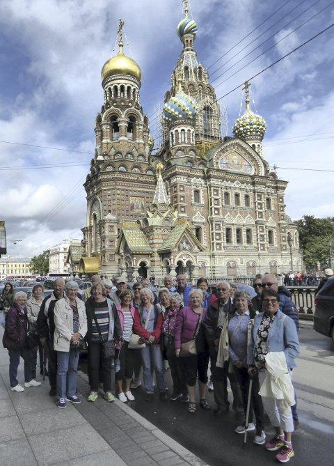 Foran kirken: «Frelseren på blodet» i St. Petersburg er en av få bevarte religiøse bygg fra slutten av 1800-tallet.