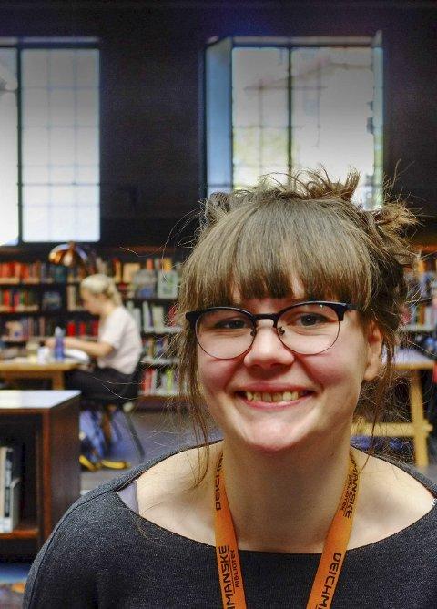 Fikk jobben: Silje Ramleth begynner som miljøveileder på biblioteket tirsdag til uken. Fra barneskolen har biblioteket mange unge brukere som fortjener mer oppmerksomhet.Foto: Jørgen Strømme