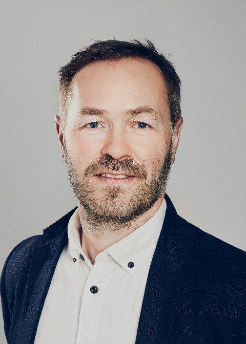 KRITISK: Forsvarer Øyvind Dahle er kritisk til at det tok tre år fra bedrageriet skjedde til kvinnen fikk sin dom. FOTO: PRIVAT