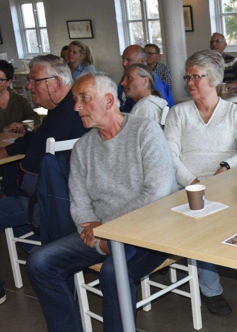 Populært: Mellom 35 og 40 interesserte turgåere møtte opp da det nye kartet ble lansert.