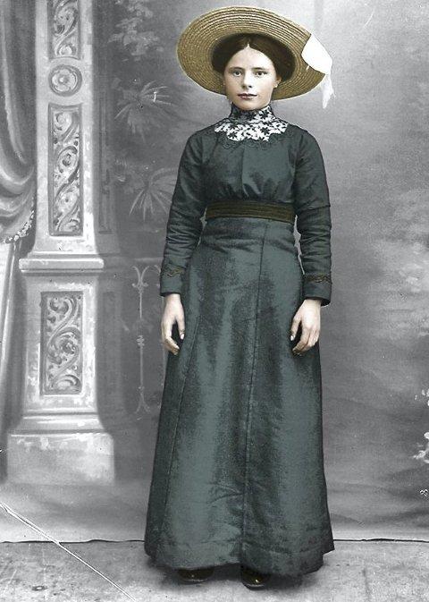 Agnes Marie Rønning var konfirmant på Reine i 1913.