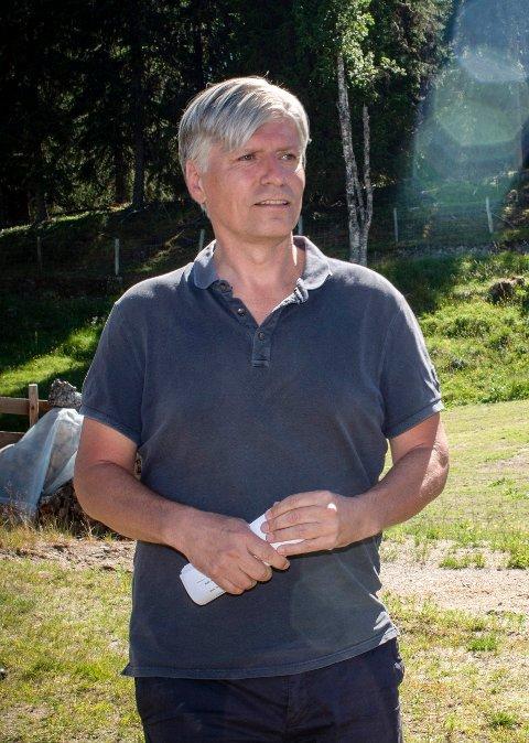 Klima- og miljøminister Ola Elvestuen besøker Krokstadelva mandag 9. juli.