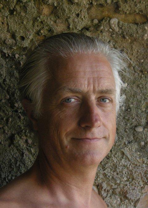 Gunnar Hasle er lege og spesialist på infeksjonssykdommer.