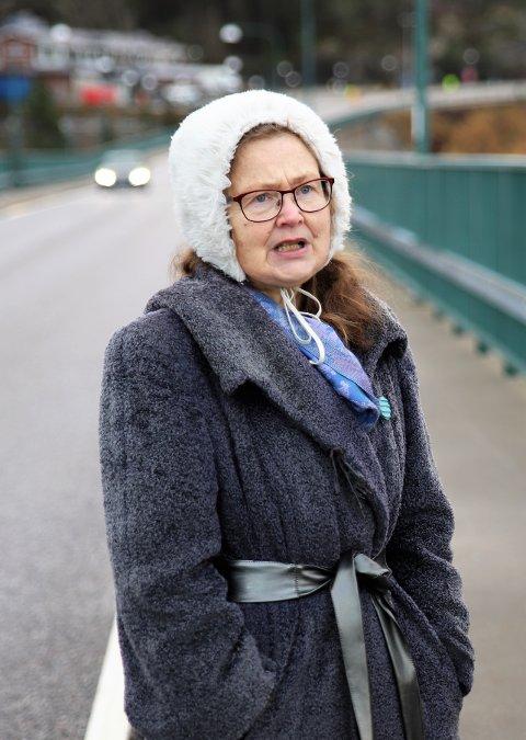 GRENSELIVET: Marita Adamsson i Strömstads Tidning skriver kronikk i Halden Arbeiderblad i forbindelse med at de to redaksjonene møttes på grensen tidligere i uken.