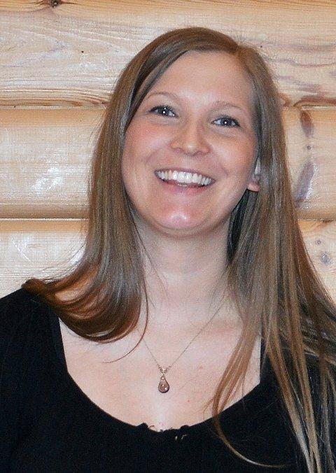 Hedda Hansen Berg har søndag sin første tjeneste som ny organist i Åsskard.