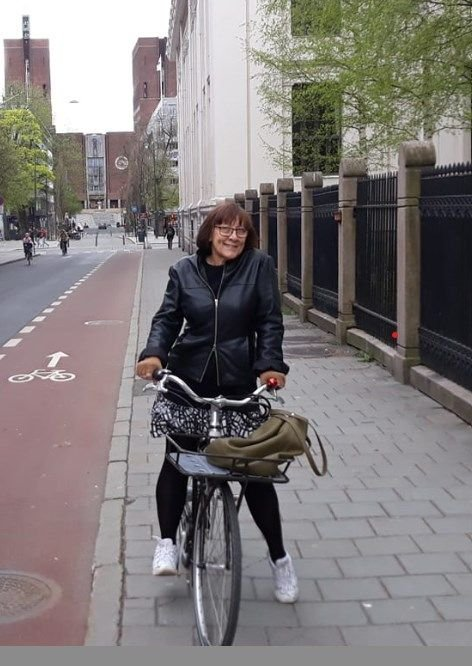 ARBEIDSLIV: – Har vi et fungerende demokrati, eller er det bare lover i navnet, dvs. spilleregler som umerkelig blir satt til side når direktørene krever nedbemanning og omorganisering av arbeidsstokken, spør Dorota Gluch.