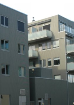 Leilighetsutsikt mot vest til naboblokk i Ås sentrum.