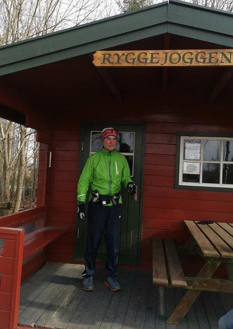 RÅSKINN: 75 år gamle Axel Staib løp 201 kilometer forrige uke.