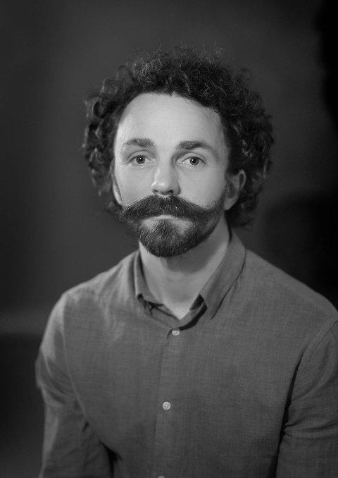 REGISSØR: Filmregissør Egil Håskjold Larsen er fra Jarfjord og har laget dokumentaren om Steinar Magnussen.