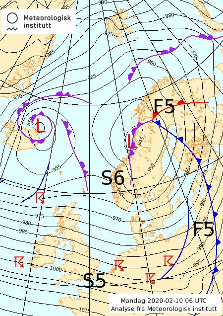 LAVTRYKK: Værsituasjonen mandag morgen. Sentrum av lavtrykket ligger over Helgeland og beveger seg nordover.