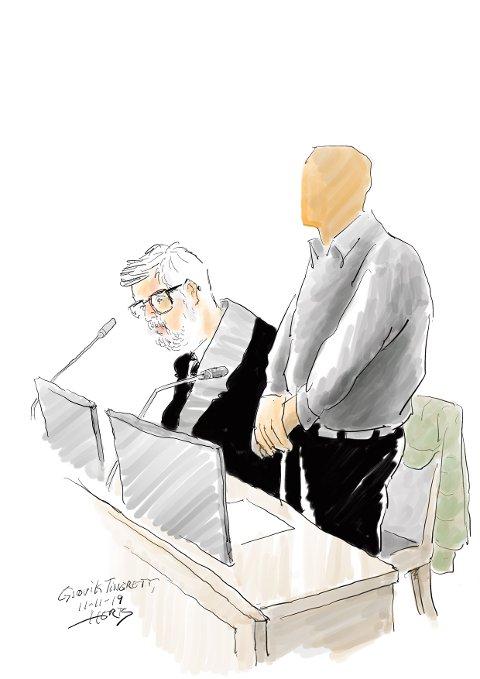 STRENG STRAFF: Familiemannen fra Hadeland er dømt til sju års fengsel for alvorlige overgrep mot sin tidligere fosterdatter. Her sammen med forsvarer Ove Herman Frang. Tegning: Herb, Oppland Arbeiderblad