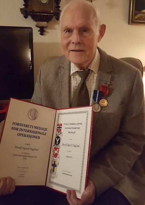 HEDRET: Noralf Hægland ble tirsdag hedret for sin innsats i Tysklandsbrigaden.