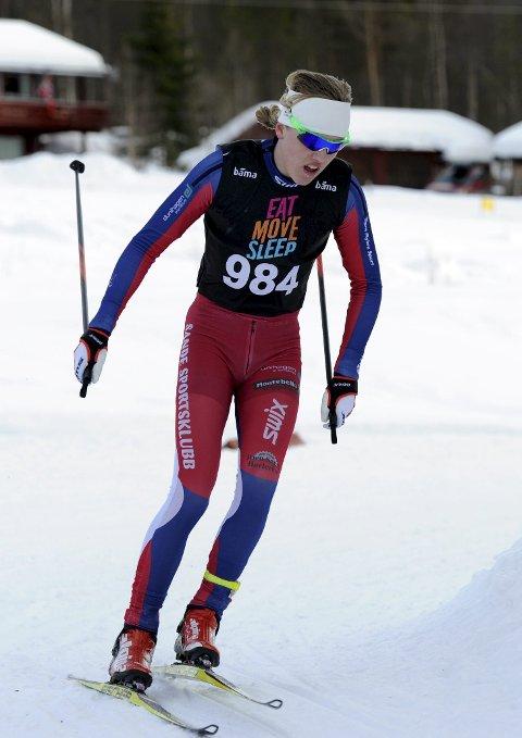 GÅR FORT: Ole Conrad Burud gjorde en flott figur i Hovedlandsrennet i langrenn i helga. 15-åringen gikk gode løp både i sprint og på distanse. Foto Svein Halvor Moe