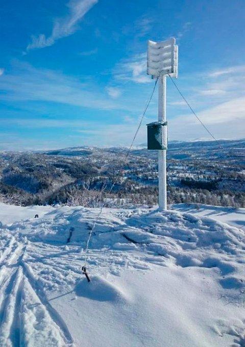 EKSEMPEL: Trig-punktet på Løålikjølen i Surnadal er et av mange eksempel på hva som vart montert i naturen på 1950- og 60-tallet.