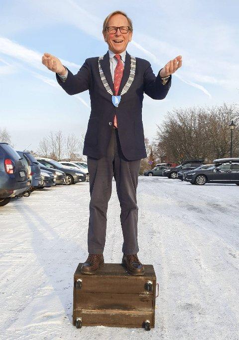 Leder for øyflokken: Roar Jonstang ønsker å bli husket som en ordfører som var aktiv og engasjert fra første til siste dag. Idag har han akkurat 307 dager igjen til han overlater ordførerkjedet til nestemann. 8Foto: Arne Johan Furseth
