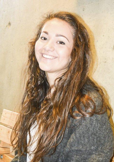 Lett: – Det er lett å rote seg bort i narkotika, sier elevrådsleder Zoë Skjæraasen ved BVS.