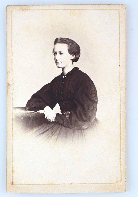 Fredrikke Danielssen fra Bergen skrev dagbok da hun bodde i Paris i 1868.