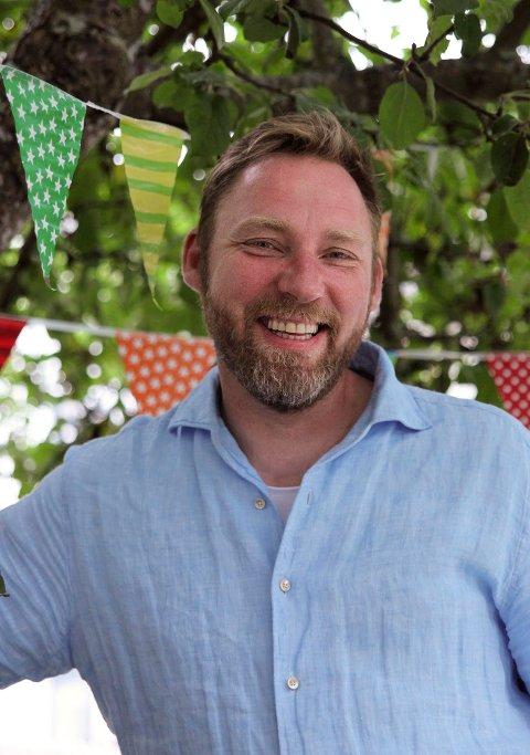Klar for festival: Jon Åge Ruud er ny sjef for Tvedestrands særegne Munkefestival. festivalen er en hyllest til baksten som er elsket av de fleste i Tvedestrand.