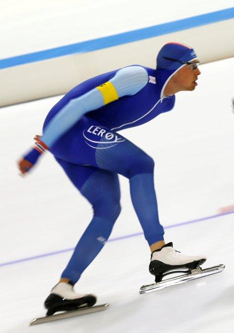 Sindre Henriksensuste inn til en 6.-plass, hans beste individuelle plassering i verdenscupen noensinne, på 1500-meteren i Heerenveen lørdag ettermiddag.