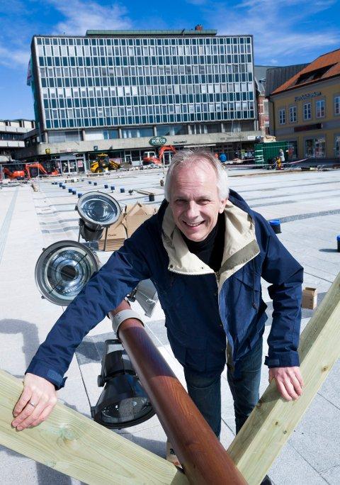 Blir rendyrket næringssjef: Helge B. Hasvold skal ikke lenger ha ansvaret for byutviklingen. Han skal få mer tid til næringsslivssatsingen. (Arkivfoto: Trond Thorvaldsen)