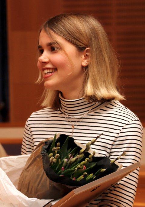 BLE BEST: Isabelle Maria Damhaug ved Lørenskog videregående skole ble best av samtlige realfagelever på Nedre Romerike, og ble belønnet med diplom og 10.000 kroner i premie.