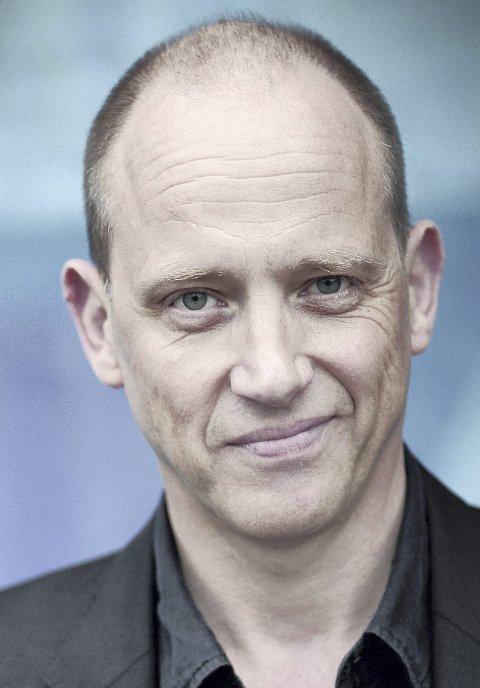 Profil: Svenske Samuel Fröler er kjent fra tv, film og teater. Røros har han faktisk besøkt én gang før, da han i 2013 spilte i Riksteatrets oppsetning av Harold Pinters «Bedrag».  Foto: Albert Häggblom