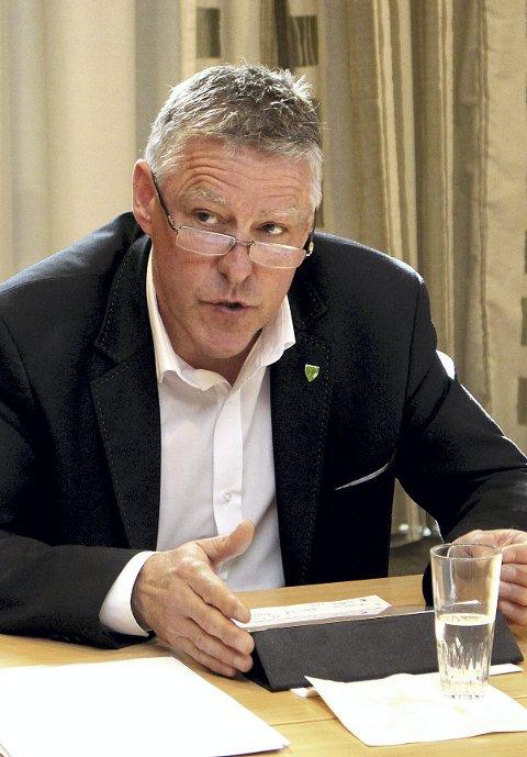 Ønsker ikke tvang: Ordfører i Fet kommune, John Harry Skoglund (Ap), vil sender brev til Stortinget. FOTO: Tom Gustavsen