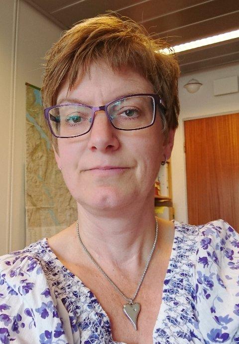 Marit Hjellmo som på vegne av Sunndal kommune leder arbeidet med å få tatt skadejerven i grensetraktene mellom Sunndal og Tingvoll.