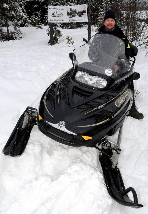 TIDLIG: Arild Bredesen gleder seg over rekordtidlig åpning av snøscooterleden på Finnskogen.