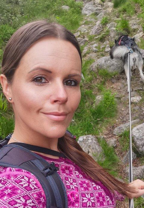 Cecilie Stana er oppvokst i Tyssedal, men flyttet til Stavanger for 5 år siden. Hun mener det beste med Hardanger er naturen. - Lite slår den, sier hun.