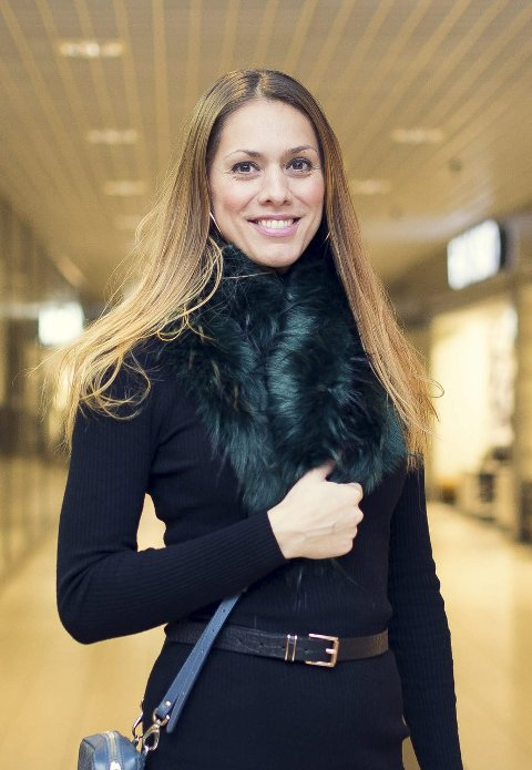 Fuskepels: Et tøft tilskudd i butikkhyllene er fuskepelsen i spreke farger. Denne smaragdgrønne pelsen er fra Gina Tricot og koster 249 kr.Alle foto: Frida Bringslimark