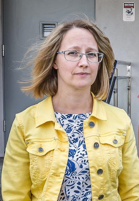 STRENGE TILTAK: – Vi har ventet på at tallene skulle synke etter innføring av de strenge tiltakene, sier kommuneoverlege Karianne J. Bergman.