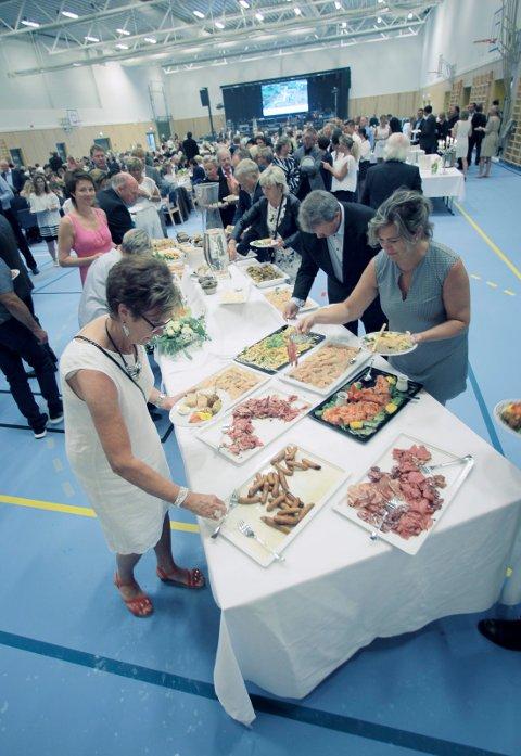 UTEN MAT OG DRIKKE: Ingen gikk sultne hjem fra Torvastad Arena torsdag kveld.
