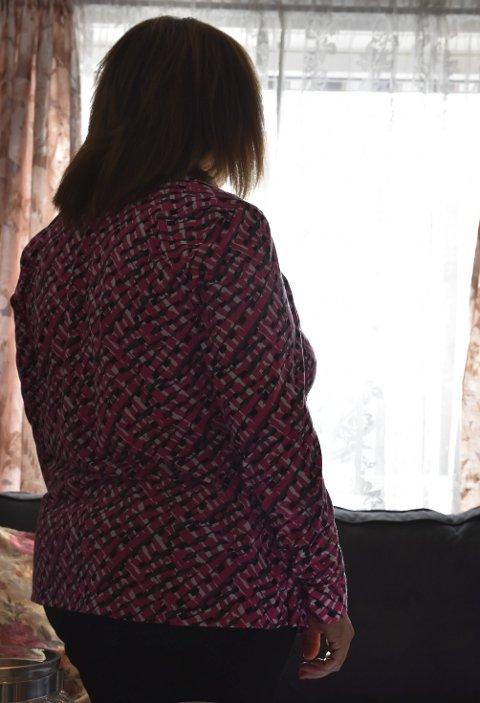 1 Ensom: «Gina» forteller at hun er ensom og skulle ønske hun hadde noen å dele de vonde tankene med.