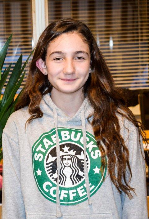 ZINA SØREBØ JAWAD: 11-åringen er plukket ut til å synge med store stjerner onsdag kveld.